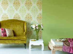 что практичнее обои или покраска стен